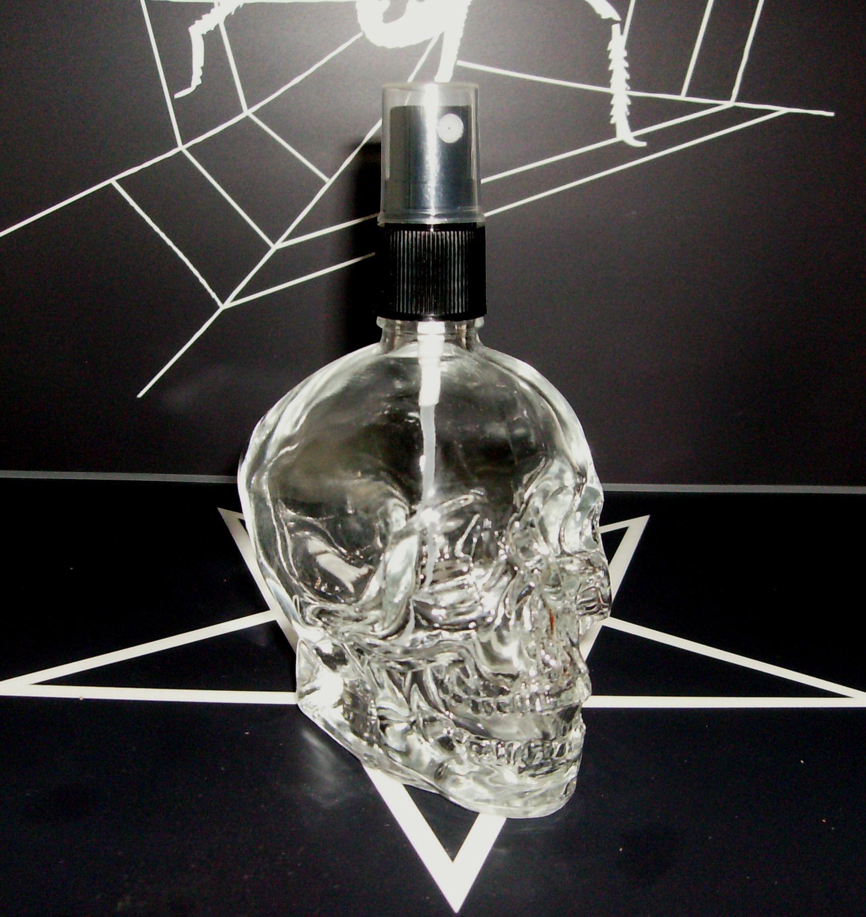 Parfumflakon Skull Totenkopf mit Zerstäuber 60ml leer Gothic