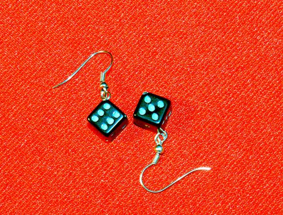 Würfel-Ohrringe (ein Paar)